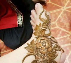 Leg Henna Designs, Khafif Mehndi Design, Latest Henna Designs, Floral Henna Designs, Indian Henna Designs, Finger Henna Designs, Mehndi Designs For Girls, Modern Mehndi Designs, Mehndi Designs For Fingers