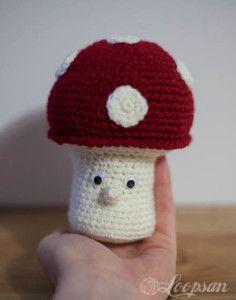 Tommy The Toadstool - Free Amigurumi Pattern  http://www.loopsan.com/crochet/tommy-the-toadstool-free-pattern/