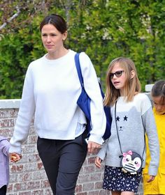 Jennifer Garner takes her kids Violet, Seraphina and Samuel to church on January 10, 2016