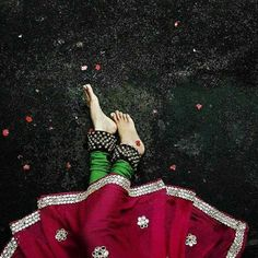 48 Super Ideas For Photography Girl Drawing Beautiful Kathak Dance, Indian Photoshoot, Indian Classical Dance, Dance Paintings, Girl Photography Poses, Beauty Photography, Food Photography, Fashion Photography, Dance Poses