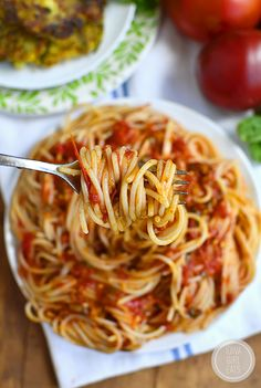 Pasta Pomodoro is the perfect recipe to highlight juicy, ripe summer tomatoes. This simple gluten-free pasta dish is fresh and light! | iowagirleats.com