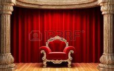 赤いベルベットのカーテン、木製の柱と椅子 写真素材