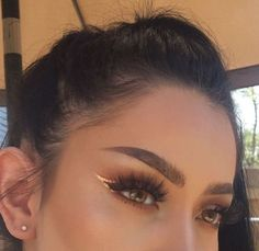 Eye Makeup Tips.Smokey Eye Makeup Tips - For a Catchy and Impressive Look Makeup Eye Looks, Cute Makeup, Eyeshadow Looks, Pretty Makeup, Skin Makeup, Eyeshadow Makeup, Eyeshadow Palette, Prom Makeup, Makeup Brush
