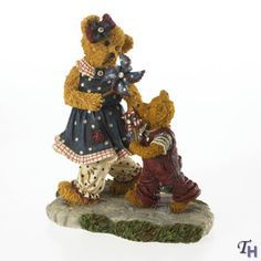 Boyds Bears Friends Of Boyds 12 Members Only Figurine Title Suzie B with Benjamin * You can find more details by visiting the image link. Boyds Bears, Teddy Bears, Patriotic Bedroom, Collectible Figurines, Thoughtful Gifts, Gifts For Friends, Plush, Cute, Child