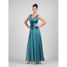 Φόρεμα  βραδυνό κλασικό με δαντέλα στο μπούστο