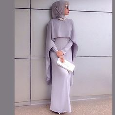 to Wear Hijab with Gowns? 30 Modest Ways to Try Now simple-gown How to Wear Hijab with Gowns ? 20 Modest Ways to Trysimple-gown How to Wear Hijab with Gowns ? 20 Modest Ways to Try Islamic Fashion, Muslim Fashion, Modest Fashion, Hijab Evening Dress, Evening Dresses, Hijab Gown, Dresses Dresses, How To Wear Hijab, Hijab Wear