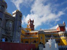 A fairytale castle. Palácio da Pena, Sintra, Portugal