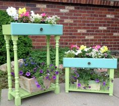 Today I am sharing a repurposed project, old drawers into porch planters. I have seen drawers used for planters several times and l. Garden Crafts, Garden Projects, Wood Projects, Outdoor Projects, Outdoor Decor, Old Drawers, Dresser Drawers, Wooden Drawers, Dressers