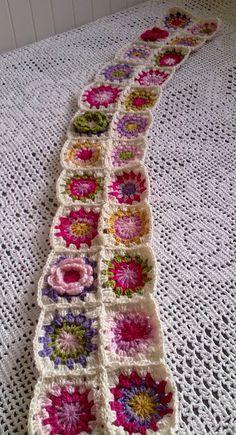 Country Maison: Progreso de la Manta Granny con Flores / Progress Made with the Granny Blanket with Flowers