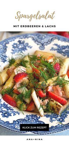 Schnelle Salat Rezepte gibt es wie Sand am Meer. Aber nur wenige sind so köstlich wie dieser weiße Spargelsalat mit Lachsstreifen und frischen Erdbeeren! Probiere mein Spargelsalat Rezept gleich aus oder pinne es für später :)