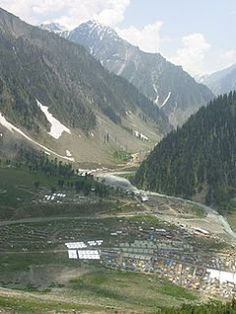 Amarnath Yatra Travel Chacha offers online packages for Amarnath Yatra 2014 travel. If you are planning to visit holy pilgrimage Amarnath Cave then book Amarnath Yatra 2014 Packages. Amarnath Temple, Kashmir India, Tropical Beaches, India Travel, Pilgrimage, Tours, Adventure, Mountains, World