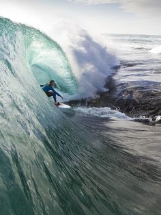 Photo: Stuart Gibson, surf, surfing, surfer, surfers, waves, big waves, barrel, barrels, barreled, covered up, ocean, sea, water, swell, swells, surf culture, island, islands, beach, beaches, ocean water, stoked, hang ten, drop in, surf's up, surfboard, shore break, surfboards, salt life, #surfing #surf #waves