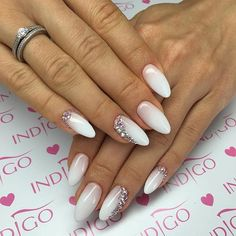 Opting for bright colours or intricate nail art isn't a must anymore. This year, nude nail designs are becoming a trend. Here are some nude nail designs. Bride Nails, Wedding Nails, Cute Nails, Pretty Nails, Hair And Nails, My Nails, Indigo Nails, Classic Nails, Silver Nails