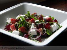 Fetás-szőlős-fügés saláta Caprese Salad, Fruit Salad, Fruit Salads, Insalata Caprese