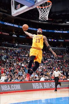 LeBron James Years 17 Days Becomes The Youngest Player In NBA History To Reach Points Passing Kobe Bryant 75