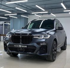 An amazing color on amazing car the all new BMW Bmw Suv, Bmw Cars, Bmw X5 M Sport, Sport Suv, Motogp, Mercedes Amg, Porsche 2020, Future Concept Cars, Mobile Car Wash