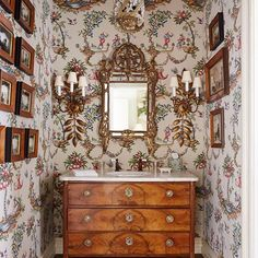 Discover all our design ideas for wallpaper and wall coverings on HOUSE - design, food and travel by House & Garden.