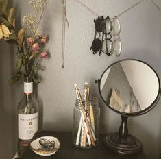 Successful Strategies For Aesthetic Room Decor That You Can Use Today - During the winter months you want to do all you can to keep your home free from dryness. At the same time though you want to have items on display tha. Decoration Shabby, Decoration Bedroom, Room Decorations, Vintage Decorations, Decor Room, Cute Dorm Rooms, Cool Rooms, Decoration Inspiration, Room Inspiration