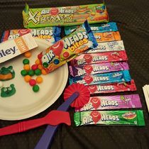 Mold it, roll it, cut it and create with #AirheadsCrafts! #FreeSamp http://h5.sml360.com/-/1ixfk