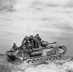 Churchill tank of 'C' Squadron, North Irish Horse carrying Italian infantry of Battalion, Infantry (Italian), north of Castel Borsetti, 2 March 1945 - pin by Paolo Marzioli Tank Armor, British Armed Forces, Ww2 Pictures, Soviet Army, Armored Fighting Vehicle, Battle Tank, Ww2 Tanks, Military Weapons, Panzer