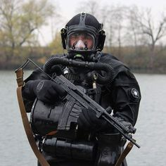 Spetsnaz FSB in full diving gear [640x640]