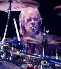 """"""" to drummer RT this if you are a fan and wish him a good day! Frank Beard, Music Den, Billy Gibbons, Zz Top, Vintage Rock, Alternative Music, Fleetwood Mac, The Good Old Days, Led Zeppelin"""