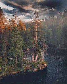 Cabins In The Woods, House In The Woods, Beautiful World, Beautiful Places, Forest House, The Great Outdoors, Nature Photography, Scenery, Places To Visit