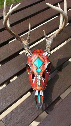 Painted deer skull Deer Hunting Decor, Deer Decor, Skull Decor, Deer Antler Crafts, Antler Art, Painted Animal Skulls, Deer Skull Art, Deer Mounts, Deer Pictures