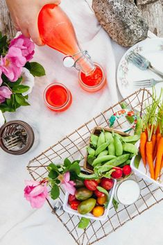 A Summer Sunset Picnic for Two - Simple Bites Crudite Platter, Quick And Easy Appetizers, Berry Baskets, Sugar Snap Peas, In Season Produce, Barbecue Chicken, Strawberry Cakes, Feeding A Crowd, Summer Sunset