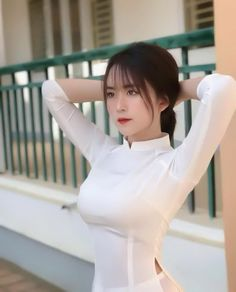Body Workout At Home, At Home Workouts, Ao Dai, Cute Girls, Beautiful People, Cosplay, Sexy, How To Wear, Dresses