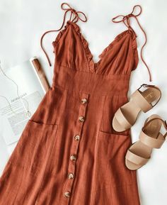 Robe mi-longue à boutons orange Lisbeth Rust - fashion - Summer Dress Outfits Mode Outfits, Casual Outfits, Summer Outfits, Fashion Outfits, Fashion Tips, Dress Summer, Fashion Ideas, Dress Fashion, Dress Casual