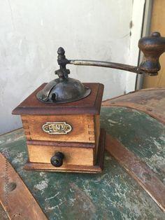 Molinillo de cafe Elma de principios de siglo