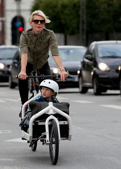 The original Long John bicycle was a Danish invention by Morten Rasmussen Mortensen in 1929. Nowadays a modern fleet of offsprings has taken to the streets.
