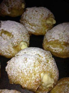 Cream puffs For cream filling: I use cream cheese (softened), instant vanilla pudding (large box) 1 c. (recipe for cream puffs french pastries) Donut Recipes, Cake Recipes, Dessert Recipes, Cooking Recipes, Cooking Ideas, Köstliche Desserts, Delicious Desserts, Yummy Food, Plated Desserts