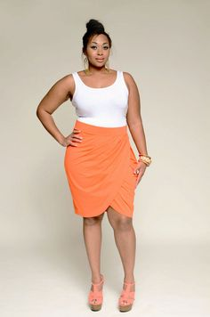 Plus Size Designer Youtheary Khmer: YK Tulip Skirt Plus Size Girls, Plus Size Women, Plus Sise, Plus Size Fashionista, Tulip Skirt, Looks Plus Size, Full Figure Fashion, Plus Size Designers, Plus Size Beauty