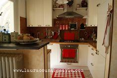 la mia cucina di rosso vestita