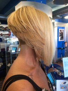 Shaved Side Hairstyles, Short Bob Hairstyles, Cool Hairstyles, Angled Bobs, Inverted Bob, Bleach Blonde, Blonde Hair, Shaved Nape, Beautiful Haircuts