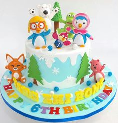 Priam is obsessed with pinguin! Especially pororo. Baby Birthday Cakes, Baby Girl Cakes, Birthday Party Favors, Penguin Cakes, Sugar Craft, Bakery Cakes, Cake Gallery, Cute Cakes, Cake Creations