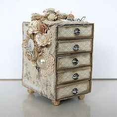 Exquisite little altered box!