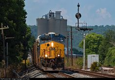 RailPictures.Net Photo: CSXT 3052 CSX Transportation (CSXT) GE ES44AC at Cincinnati, Ohio by John Puda
