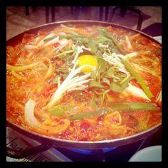 김치전골 Kimchi and pork stew