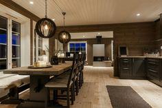 Cedar Homes, Log Homes, Hamptons House, Cabin Interiors, Small House Design, Big Houses, Dream Decor, Scandinavian Interior, Cozy House