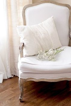 Modern Home Decor .Modern Home Decor French Furniture, Home Furniture, Furniture Design, Furniture Online, French Decor, French Country Decorating, Poltrona Vintage, Home Interior, Interior Design