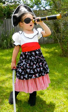 Girl's Pirate Costume / Dress Up / Size 2 thru 8 / Halloween / Pageant / Birthday Handmade Pirate Gi Diy Pirate Costume For Kids, Female Pirate Costume, Queen Costume, Costume Dress, Halloween Costumes For Kids, Diy Costumes, Halloween Outfits, Costumes For Women, Costume Makeup