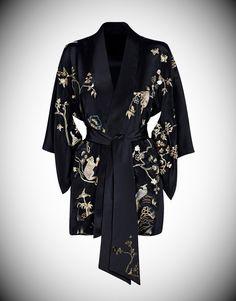 Agent Provocateur Soiree Sabrina Kimono / Gown (for morning routine) Fashion Moda, Kimono Fashion, Look Fashion, Fashion Outfits, Womens Fashion, Jolie Lingerie, Women Lingerie, Sexy Lingerie, Lingerie Sleepwear