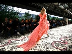 Gucci | Spring Summer 2016 Full Fashion Show | Exclusive - YouTube