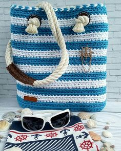 Friendship Bracelets, Espadrilles, Jewelry, Fashion, Chevron Purse, Crochet Wallet, Crochet Tote, Diy Clutch, Crochet Projects