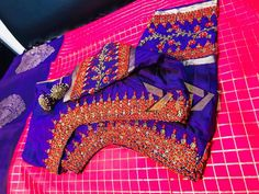 Embroidery Blouses, Simple Embroidery, Embroidery Designs, Blouse Designs Silk, Blouse Patterns, Blouse Desings, Hand Work Design, Aari Work Blouse, Maggam Works