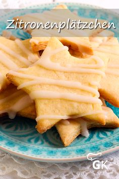 These lemon biscuit cutters are decorated with icing and taste . - These lemon biscuit cutters are decorated with icing and simply taste good. Holiday Cakes, Christmas Desserts, Baking Recipes, Cookie Recipes, Pasta Recipes, Lemon Biscuits, Mellow Yellow, Holiday Baking, Food Inspiration