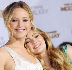 Jen and Willow at the LA Mockingjay part 1 premiere